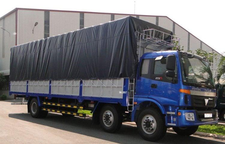 Xe 10 tấn vận chuyển hàng Quảng Ngãi vào TP.HCM
