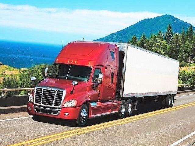 Xe đầu kéo container 40 feet vận chuyển hàng HCM đi Quảng Nam