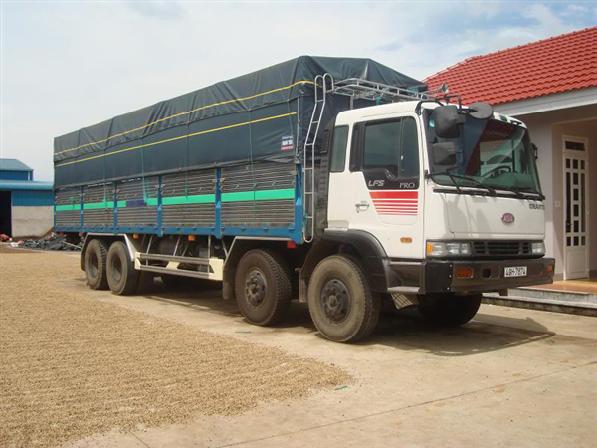 Xe 20 tấn vận chuyển hàng HCM đi Phú Yên