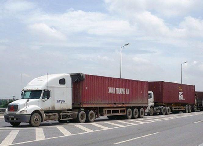 Xe container 40 feet vận chuyển hàng Bình Thuận vào TP.HCM
