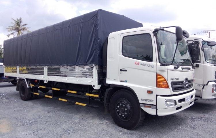 Xe 8 tấn vận chuyển hàng Quảng Nam vào TP.HCM