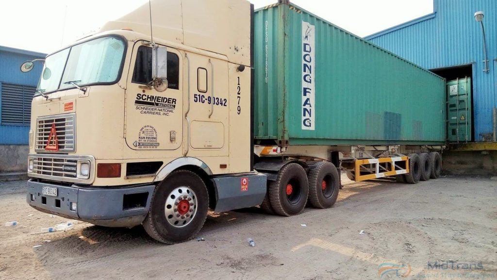 Xe container của chành xe đi Hà Nội
