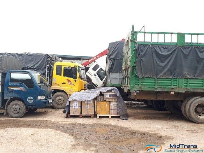 xe tải chở hàng Hà Nội- Sài Gòn